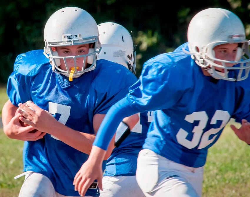 Los golpes y rotura de piezas dentales son una de esas cuestiones a tener en cuenta al relacionar salud y deporte. Para evitarlo se usan protectores bucales
